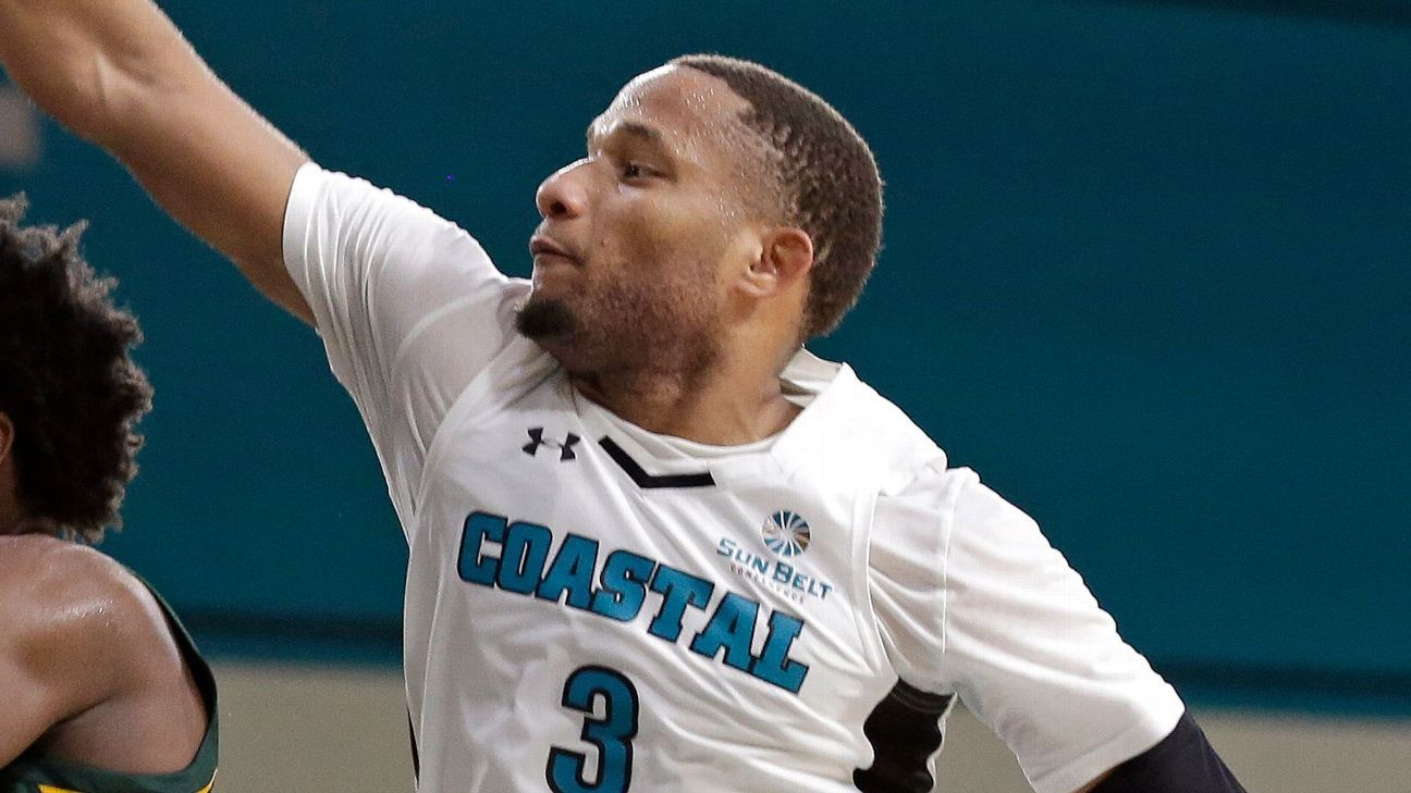 Michigan lands PG Jones from Coastal Carolina