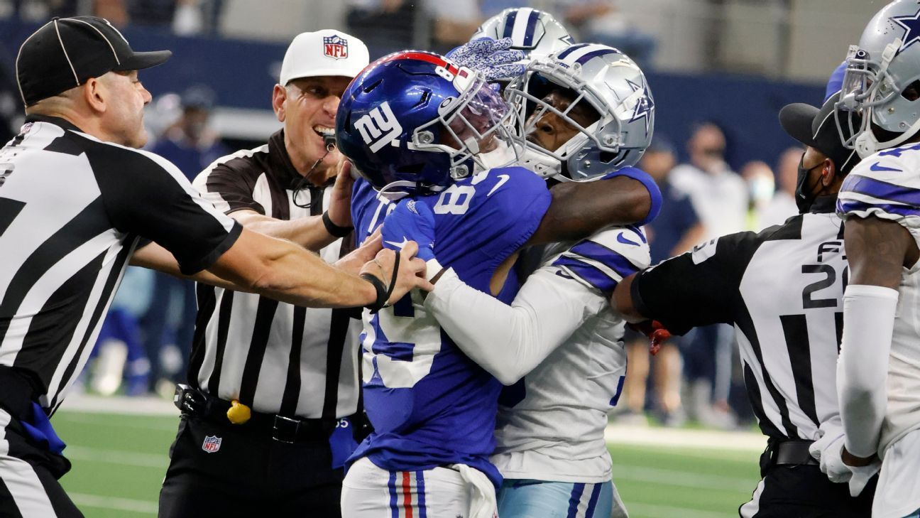 <div>Giants' Toney has ankle injury, is sorry for punch</div>